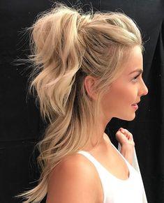 Julianne Hough's amazing half up ponytail super blonde