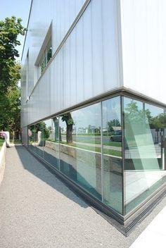 Zdjęcie numer 2 w galerii - Biały biurowiec we Wrocławiu