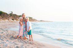 beach photos of siblings