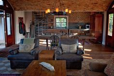 Glenogle Farm, The Stables, luxury 2 bedroom cottage on working farm in the beautiful Magoebaskloof Mountain Area. Sleeps 4.