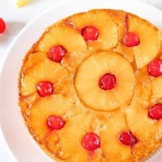 Pineapple upside-down cake crowned with a luscious caramelized layer of juicy pineapples. How to make vegan pineapple upside-down cake. Eggless Pineapple Cake, Pinapple Cake, Pineapple Upside Down Cake, Eggless Recipes, Eggless Baking, Cherry Recipes, Apple Cake Recipes, Best Vanilla Cake Recipe, Best Birthday Cake Recipe