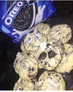 Oreo cookies and cream cookies, with white chocolate chunks. Think Food, I Love Food, Good Food, Yummy Food, Food Porn, Snack Recipes, Dessert Recipes, Junk Food Snacks, Food Goals