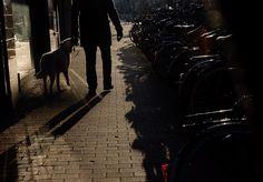 JW&Noah laag licht wandeling in Stad