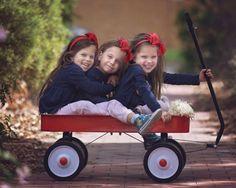 Une maman illustre la vie de ses triplées. 15 photos craquantes.