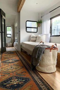 Travel Camper, Diy Camper, Bus Living, Tiny Living, Caravan Renovation, Travel Trailer Remodel, Rv Interior, Camper Makeover, Remodeled Campers