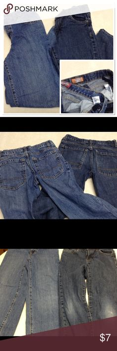 bundle Old Navy boys jeans size 10 2 pair of Old Navy jeans. Both with adjustable waist bands. One regular fit and one skinny fit. Skiny fit has wear to knees. Both are stylish and comfortable, broken in. Bundle for even higher discount! Old Navy Bottoms Jeans