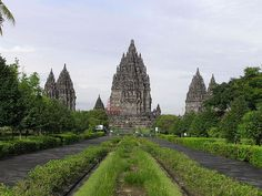 The number 6 Unesco heritage list is Prambanan temple. Beside the nature, Indonesia has the heritage of cultural sites such as Prambanan Temple (known as the largest Hindhu temple) Denpasar, Borobudur Temple, Coach Tours, Excursion, Hindu Temple, Brunei, Southeast Asia, Where To Go, Hinduism