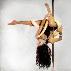 """#ThrowBackThursday  My first pole photoshoot with Taraji when she was little. ❤️RIP Taraji❤️ Photo credit: @somerahonen"""