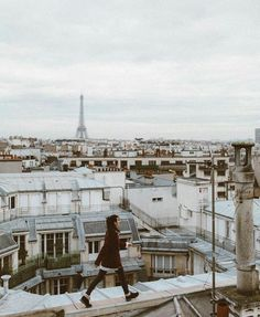 wanna walk on the roofs of paris Tour Eiffel, Travel Photographie, Paris Rooftops, Paris Ville, Travel Alone, Photo Instagram, Adventure Is Out There, Solo Travel, Travel Europe