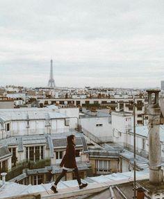 wanna walk on the roofs of paris Tour Eiffel, Travel Photographie, Paris 3, Paris Rooftops, Little Paris, Paris Ville, Travel Alone, Photo Instagram, Adventure Is Out There