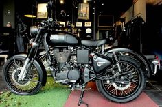 Royal Enfield Modified Royal Enfiled Classic Stealth Black 500, Royal Enfield Modification