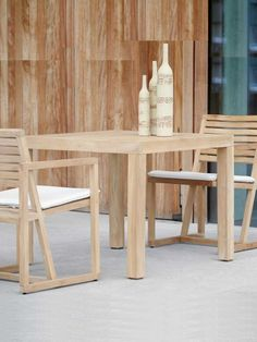 Jan Kurtz Esstisch Timber kaufen im borono Online Shop Wooden Side Table, Wooden Dining Tables, Dining Table Chairs, Bistro Table Set, Table And Bench Set, Steel Dining Table, Teak Coffee Table, White Wooden Floor, Dcor Design