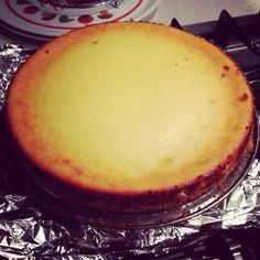 Cheesecake ricotta, mascarpone e gocce di cioccolato. Ecco il link con la ricetta!  http://ilmestoloverde.wordpress.com/2014/11/10/cheesecake-ricotta-mascarpone-e-cioccolato/