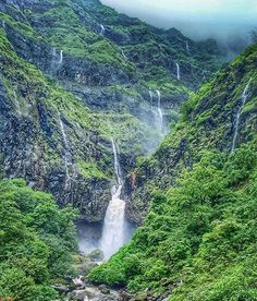 Location: Maharashtra  Today's top pick of @trellingpune . . Waterfalls😍 Picture Courtesy :- @swanand.coolkarni . Use #trellingpune to get featured!  Be a part of coolest community at instagram.com/trellingpune  Tryout Trell App to discover new things in the city and connect with a global community of explorers, travelers, photographers and foodies!  Download it from trellapp.com