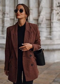 30 minimalist outfit ideas for autumn - for . - Over 30 minimalist outfit ideas for fall – -Over 30 minimalist outfit ideas for autumn - for . - Over 30 minimalist outfit ideas for fall – - 6 Office Holiday Party Outfits to Try Looks Street Style, Looks Style, Looks Cool, Look Fashion, Street Fashion, Winter Fashion, Womens Fashion, Fashion Clothes, Ladies Fashion