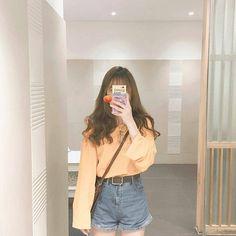 girl (っ◔◡◔)っ ♥ korean fashion inspo ♥ Ulzzang Girl Fashion, Style Ulzzang, Mode Ulzzang, Kfashion Ulzzang, Korean Ulzzang, Korean Ootd, Ulzzang Korean Girl, Korean Fashion Trends, Korea Fashion