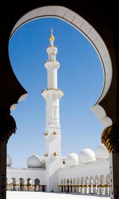 Sheikh Zayed Grand Mosque— Abu Dhabi, UAE