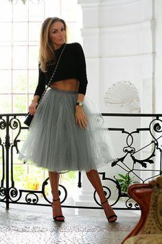 Magda Knitter - Grey tulle skirt by Fanfaronada