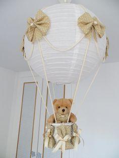 Lampara globo para decorar la habitación de tu bebe, disponible en muchos colores y estampados cuadritos, topitos, etc.. Puedes ver el blog y ver tu modelo http://lamparaglobo.wordpress.com/ O llamar a Estefanía 609224784. Te asesoramos. Quedan preciosas.