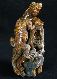 Pietersite Lizard Carving