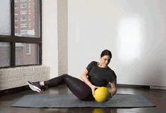 Je bez debat, že sklapovačky dokáží odvést dobrou práci při formování Vašeho středu těla, ale nejsou zdaleka nejefektivnějším cvičením, když přijde na ploché bříško. Sklapovačky zasáhnou pouze malou oblast břišních svalů, což znamená, že pokud se omezíte pouze na ně, zbytek středu Vašeho těla zůstává neprocvičen. Mnoho trenérů doporučuje plank, nebo použití medicinbalu proto, že jednoduše zasáhnou všechny svaly středu těla. Boční sklapovačky vplanku Toto je jedna znejzajímavějších variací…