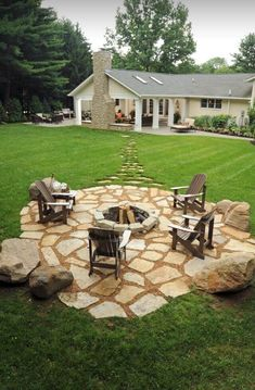 54 Easy and Cheap Fire Pit and Backyard Landscaping Ideas Landschaftsbau Ideen groß 54 Easy and Cheap Fire Pit and Backyard Landscaping Ideas - home/home Fire Pit Seating, Fire Pit Area, Fire Pit Backyard, Backyard Pavers, Flagstone Patio, Seating Areas, Fire Pit Front Yard, Backyard Fireplace, Cozy Backyard