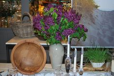 Now that is a lilac bouquet! Arranged at a Simon Pearce store