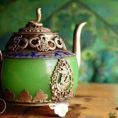 Teapot that looks like cinderella's carriage