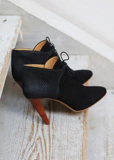 Sézane / Morgane Sézalory - Hunter boots - Essentials Collection www.sezane.com #boots #heels