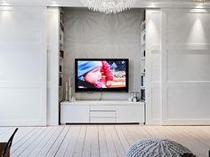 telewizor w szafie przesuwnej