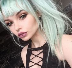 💚💚💚 @annieolivia_ used Iris Green diluted with Arctic Mist for the perfect hint of mint.