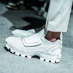"zakmaoui: "" Amazing footwear at 👟 "" Sneakers Sketch, Sneakers Mode, Casual Sneakers, Sneakers Fashion, Fashion Shoes, New Shoes, Men's Shoes, Shoe Boots, Shoes Sneakers"