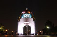 Titulo: Monumento a la Revolución Autor: Galán Oropeza Karina Fernanda  Av: 4.0 Tv: 3''2 ISO: 100