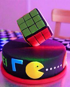 Anos 80, bolo, festa, come come, cubo mágico, 80's, party, cake, pac man