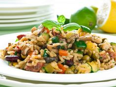 Il risotto alle verdure è un primo piatto ottimo per gli amanti delle verdure, ma che piacerà anche a chi solitamente non le apprezza molto