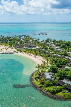 Everything natural, modern, rustic and luxurious – you'll find it at Four Seasons Resort Mauritius at Anahita, a secluded and spacious luxury resort where you can spend all day coasting across the water in your own sailing boat, tour a former sugar plantation, make friends with a giant tortoise…