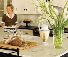 Countertops black counters, white cupboards, white counter black island.jpg  Nice contrasts
