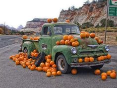 Learn All About Vehicle Repair In This Article. Are you worried about making decisions involving your auto repair and maintenance? Have you wanted to make sure you can fix a vehicle yourself if a problem Antique Trucks, Vintage Trucks, Old Pickup Trucks, Chevy Trucks, Fall Facebook Cover, Flower Truck, Pumpkin Farm, Farm Stand, Happy Fall Y'all