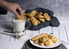 Πασχαλινά Κουλουράκια - Lambros Vakiaros Greek Recipes, Pretzel Bites, Sausage, Biscuits, Bread, Cookies, Food, Happy Easter, Youtube