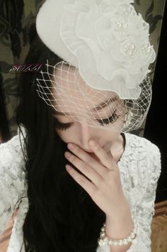 White feathers, beads woolen wedding bride decorated small round hat - http://zzkko.com/note/13343 $30.00
