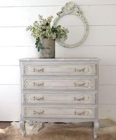 Vintage Painted French Dresser #shabbychicdressersblue #shabbychicdressersdecor