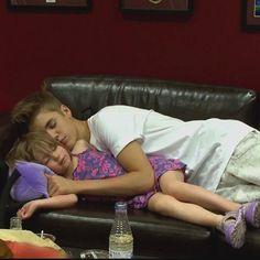 Justin Bieber mit seiner kleinen Schwester Jazzy ❤ liked on Polyvore