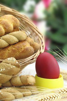 Τα παραδοσιακά πασχαλινά κουλουράκια που δεν πρέπει να λείπουν από κανένα σπίτι αυτές τις μέρες, φτιαγμένα με ΓΙΩΤΗΣ για σίγουρη επιτυχία!