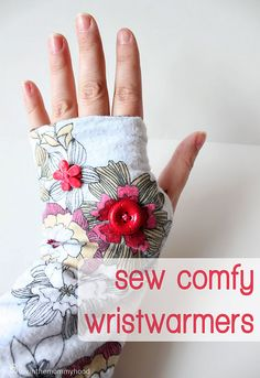fingerless gloves using flannel and a lining of jersey from an old t-shirt