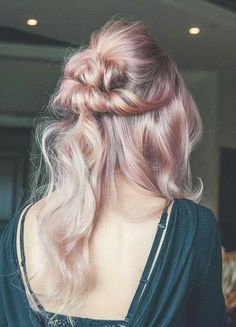 pink and ashy yellow hair color The most beautiful hair ideas, the most trend hairstyles on this pag Yellow Hair Color, Gold Hair Colors, Hair Colour, Pink Ombre Hair, Rose Gold Hair, Ombre Rose, Blonde Ombre, Hair Day, New Hair