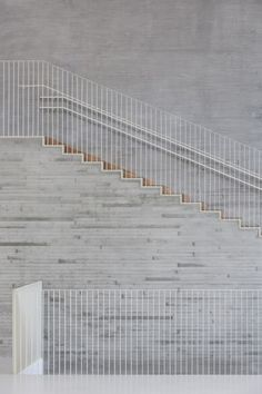 Stairs+rail at Saunalahti School - Design: VERSTAS Architects