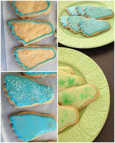 Dessa kakor passar ju perfekt till dop eller babyshowers. Men du kan lika gärna använda dig av en annan form och glasera kakorna som du vill. Kanske använda fler färger i en! 4½ dl vetemjöl1 dl soc…