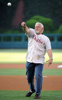 Hall of Fame Flyers goalie Bernie Parent throws out first pitch