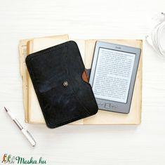 Dickens -  Antik Bőr E-book Tok / Kindle 6