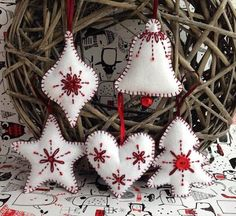 Handmade felt Christmas decoration hanging decor Scandinavian/Nordic inspired set of 5 ornaments heart star bauble tree jingle bell Winterdekorationen Handmade Christmas Tree, Handmade Christmas Decorations, Felt Decorations, Felt Christmas Ornaments, Scandinavian Christmas Ornaments, Christmas Tree Design, Christmas Sewing, Christmas Crafts, Homemade Christmas